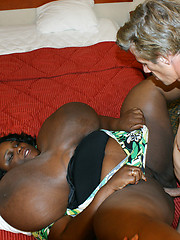 Big old black lady with tits to the floor gets fucked!