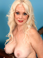 White MILF with pierced nipples