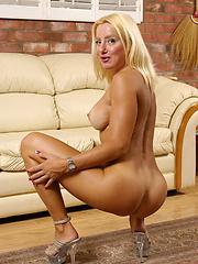 Blonde bombshell MILF rides the baloney pony