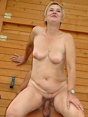 Older slut gets slammed in her crusty old cunt!