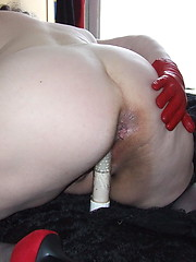 Big mature slut playing with herself