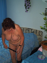 Solo masturbation of hot mature in the bedroom