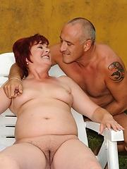 Fat granny Eszmeralda is fucking in the garden