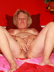 Busty mature love all her holes at one time