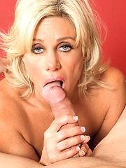 Hottest blonde milf Payton Hall sucking hard tool