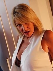 Naughty mature Amy loves doing the guy next door