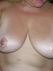 German Mature Frau MILF Spreads Her Fat Ass Apart