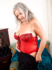 Anilos siren loves to flirts in her lingerie
