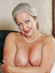 This naughty mature slut loves to play alone