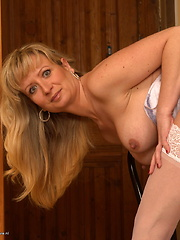 Horny MILF getting ready to be naughty