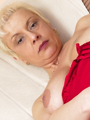 This horny housewife loves a finger in her pussy