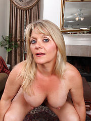 Bobbie Jones plays with her cock starved milf pussy
