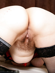Hairy British mama playing with herself