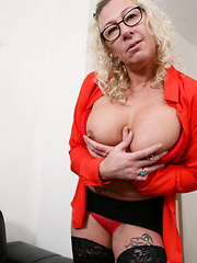 Horny British mature lady playing with her wet pussy
