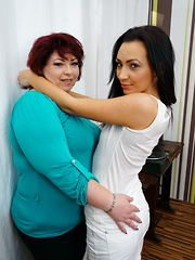 Hot babe fooling around with a BBW lesbian