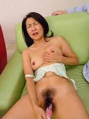 Big sex toy for a super nasty Japanese MILF