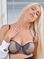 Hot steamy blonde mom getting very frisky